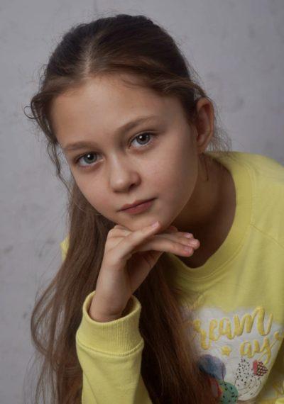 Дети - Маша Миненкова | Актеры КАлашниковой